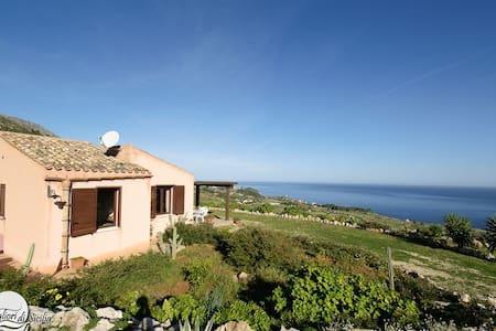 Villa Libeccio in Scopello, 2 bedrooms 2 bathrooms - Scopello
