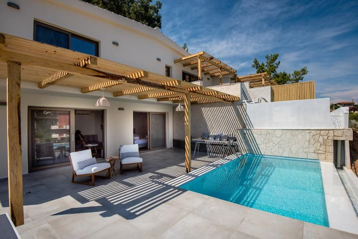 Dafni Suite with private pool