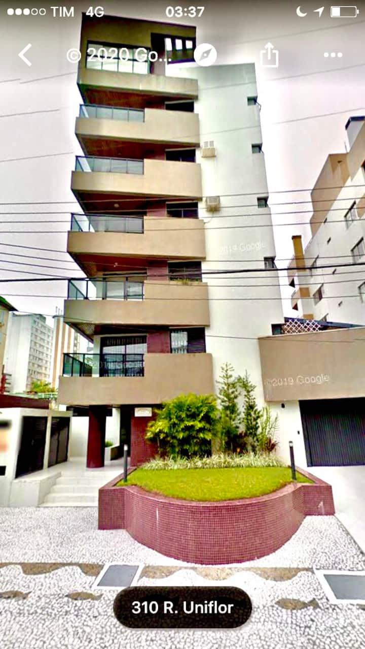 Apartamento Aconchegante a 1 Quadra do Mar -Caiobá