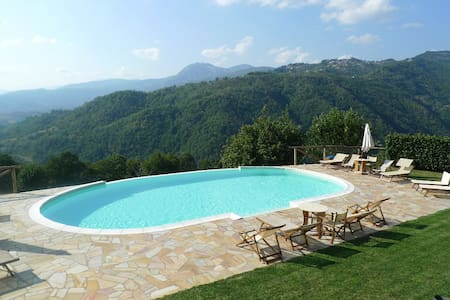 Apartment with pool and stunning views - Pieve Fosciana - Byt