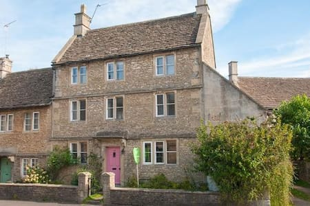 Period 18th Century 3 Bedroom House Near Bath - Corsham
