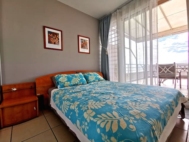 Beautiful apartment near Papeete, lagoon view