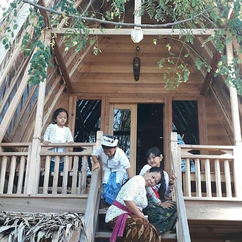 1 Bedroom#woodenHome #BananaTree Garden