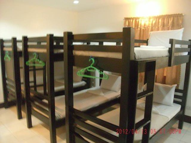 Villa Estela, Backpackers room