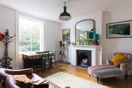 Vintage style 1 bed apt nr. Brixton