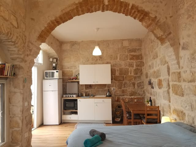 Gaston's Studio Authentic Jerusalem stone house