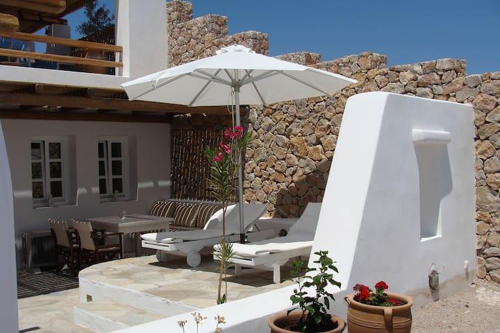 Guest House Sorokos in Santorini