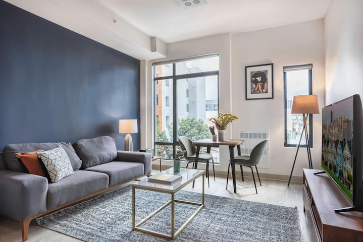 Ideal Hayes Valley Studio w/ Rooftop, W/D, 1 min to BART by Blueground