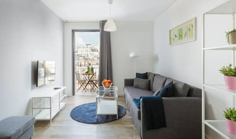 2 ROOMS FULLY EQUIPPED WITH BALCONY IN JAFFA ST. (APT 21)