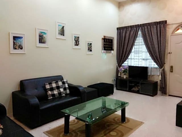 Sogo Guesthouse Homestay 3BR Simbang Perling JB