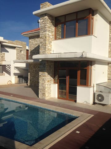 A beautiful High spec house close to the beach - Larnaca  - Huis