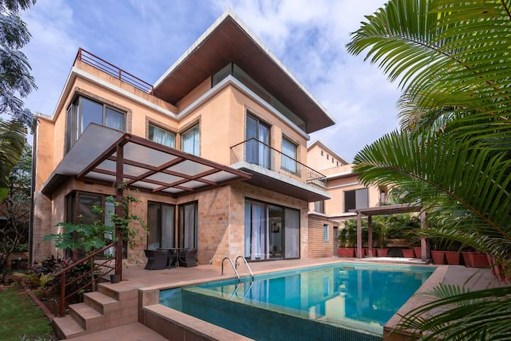 Villa Pratishtha - 3BHK Pool & Mountain View