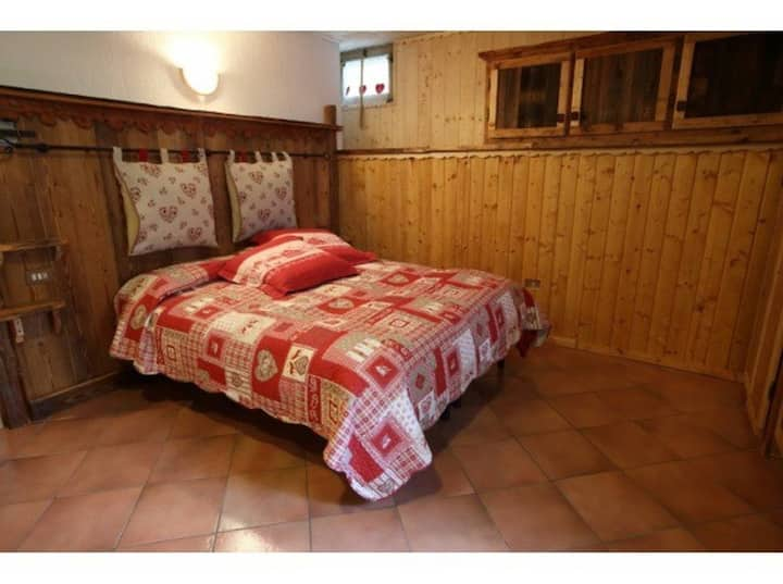 Cozy studio in La Thuile Center: La Belette