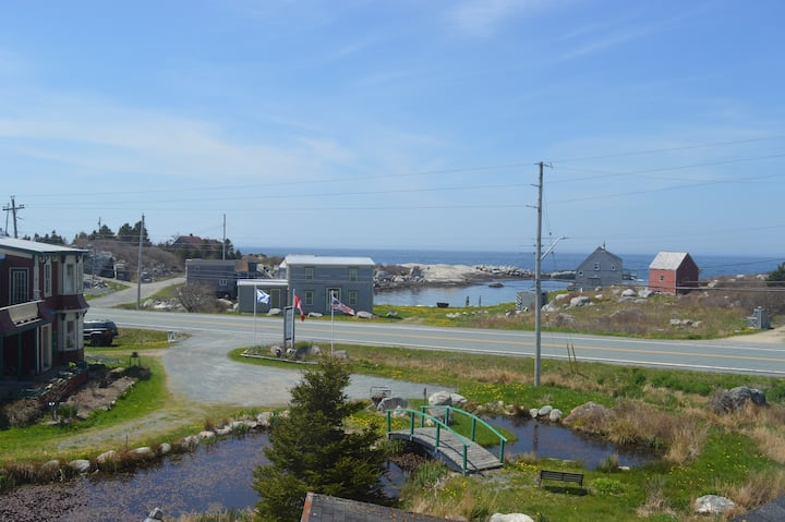 2 Bedroom apartment close to Peggy's Cove