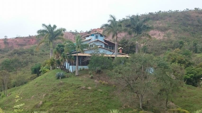 Sitio Piscina,Sauna,Campo de futebol. - Ouro Preto - Houten huisje