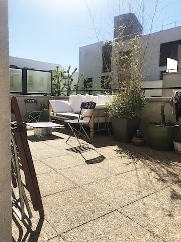 Sunny apartment with XXL balcony