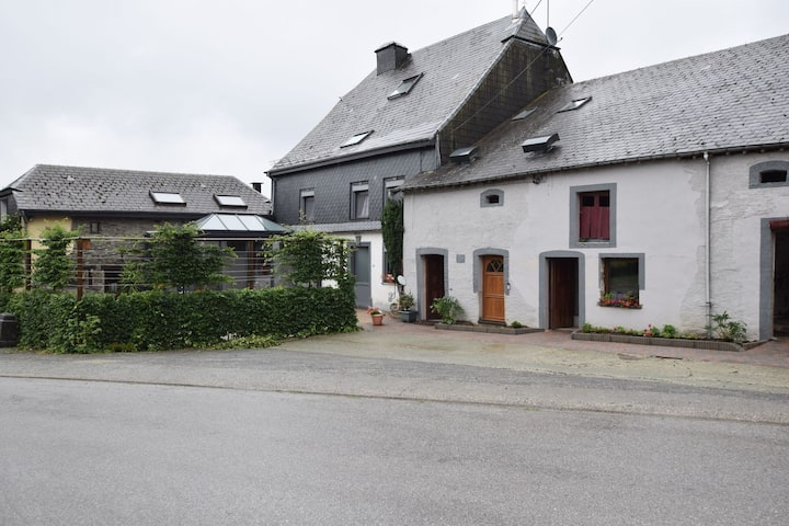 Pretty cottage with billart and 2 bathrooms near Neufchateau