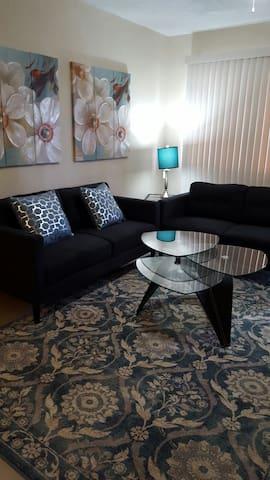 Home Away From Home! Best Value 2 Bedroom - Tutuhan - Apartemen
