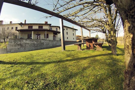 Two bedroom apartment in the middle of vineyards. - Apartmen