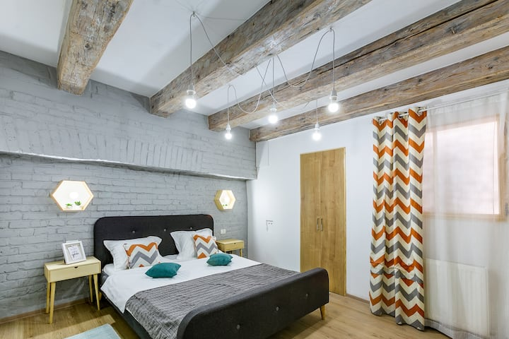 Cozy&Stylish Studio Room in Old Town Centre Brasov