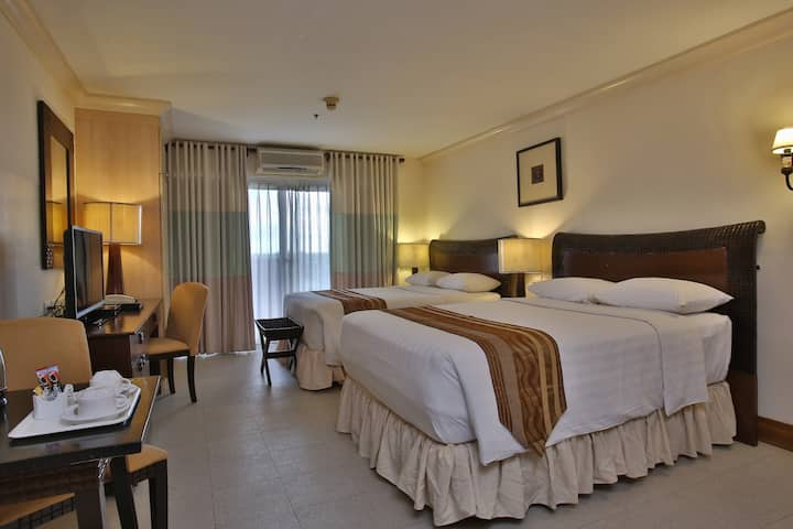 Large Suite One Bedroom At Mactan Island