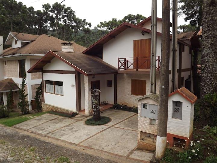 Casa com 4 Suítes Condomínio Aldeota - Monte Verde