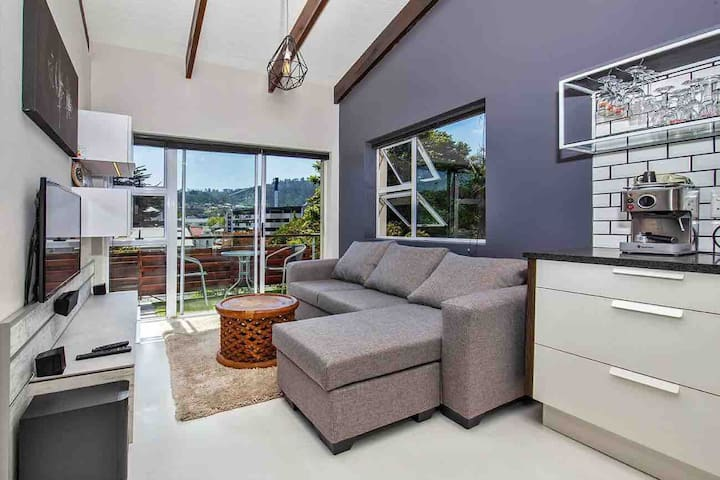 Modern Apartment in Central Knysna