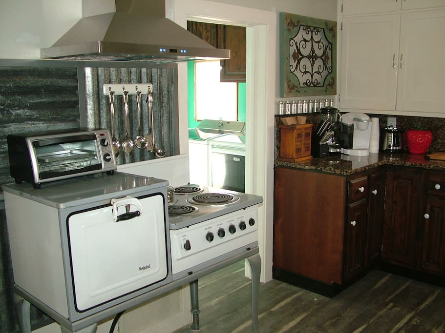 Yes Working Electric restored Stove/Oven with Soup warmer