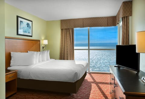 Bay View Resort, Ocean Front, 2 Bedroom 18th Floor