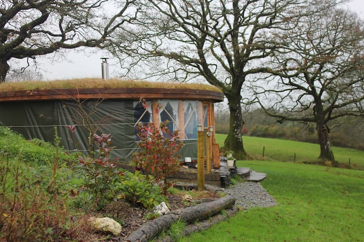 Roundhouse @ Fron Farm Yurt Retreat - Llanboidy