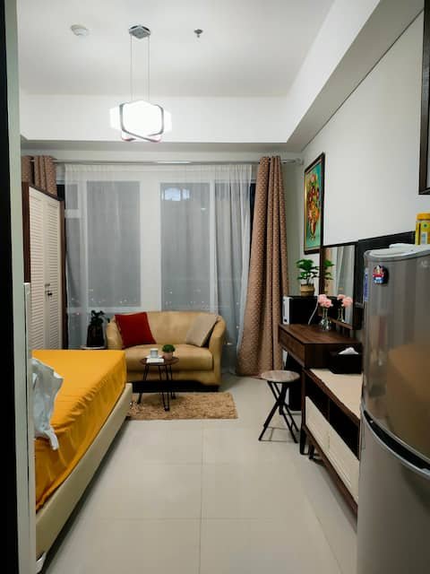 Luxury Cozy Apartement Puri Mansion with Heart