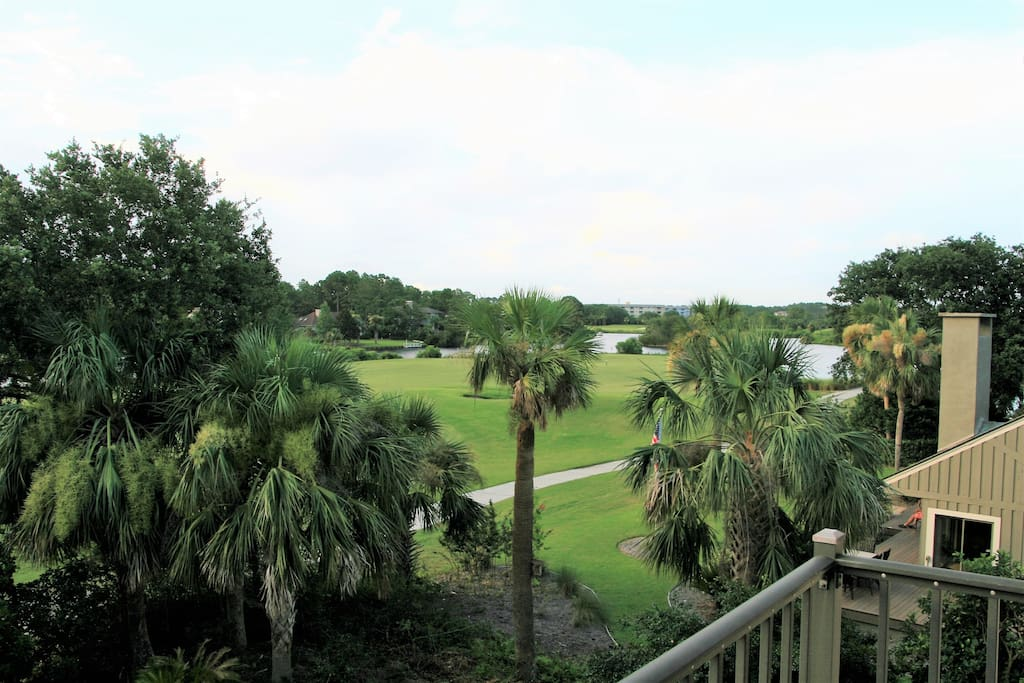 Both golf course and lagoon views