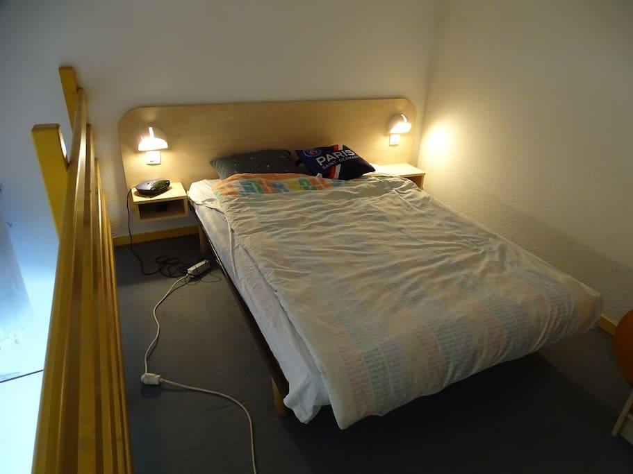 lit double 140 sur mezzanine