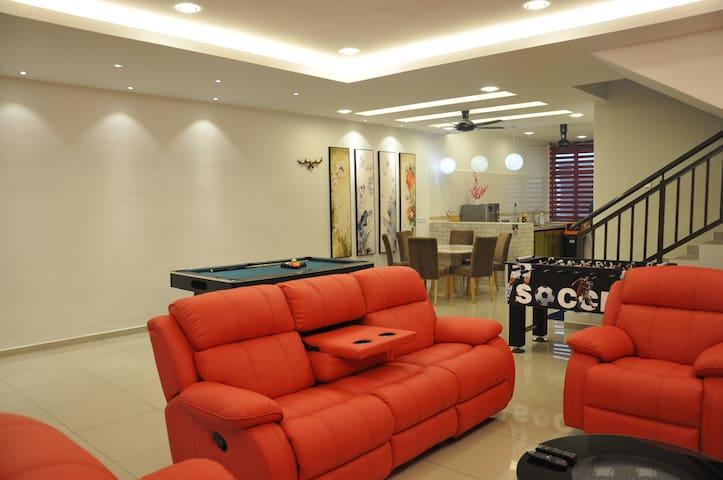 Imperial Cottage-Orient_Jacuzzi Spa (18+Pax/7R6B)
