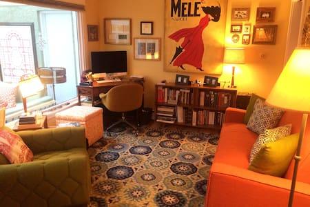 Sunny Mid Century Cottage - Auburn