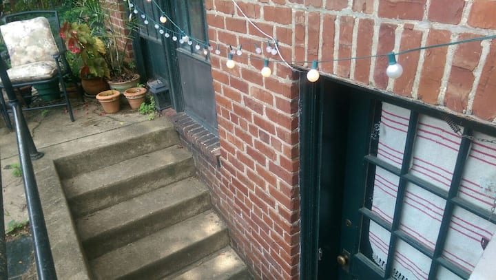Private Hideaway In Carytown for Extended Stays