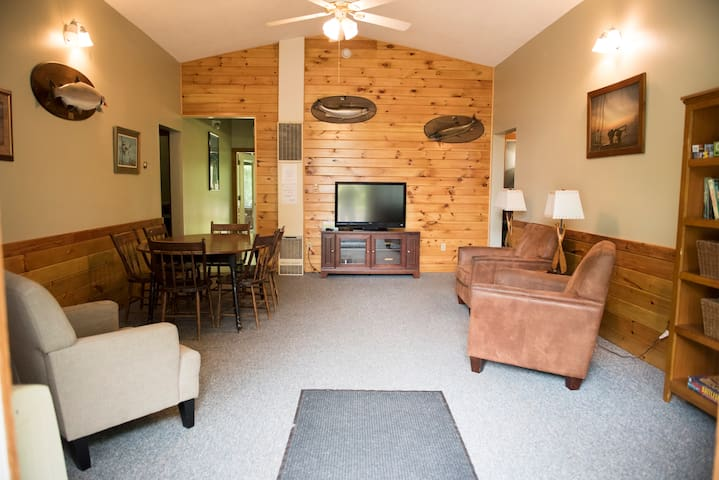 Feeder Creek lodge - Pulaski - Guesthouse