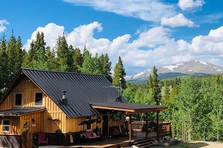 Silverheels Cabin-Getaway in the Aspens & Pines!