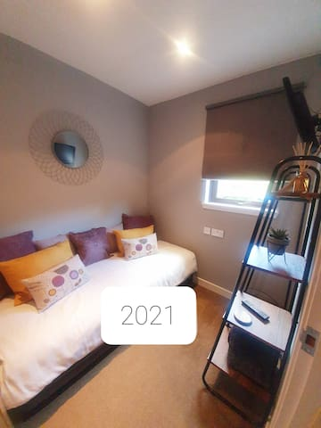 Single bedroom updated for 2021. Located on ground floor.