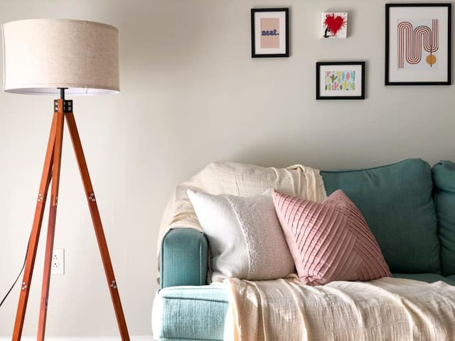 Downtown Lakeland - 2 bed/1bath Luxury Apartment