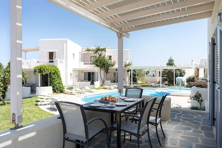 Naxos Relaxing Sea View Maisonette with Pool 4