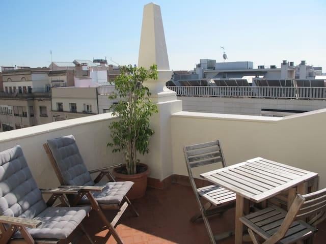 c/Sepulveda 151, sobreático 2º - Barcelona - Apartamento