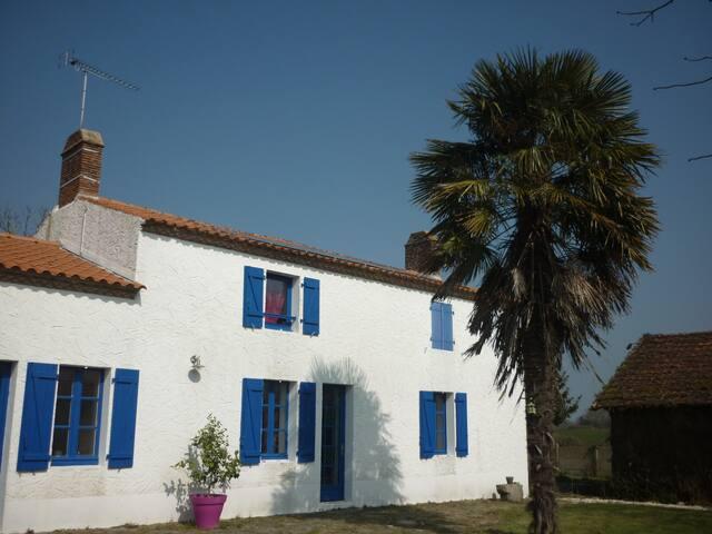 Maison avec grande piscine entre Nantes et l'océan - Frossay - Hus
