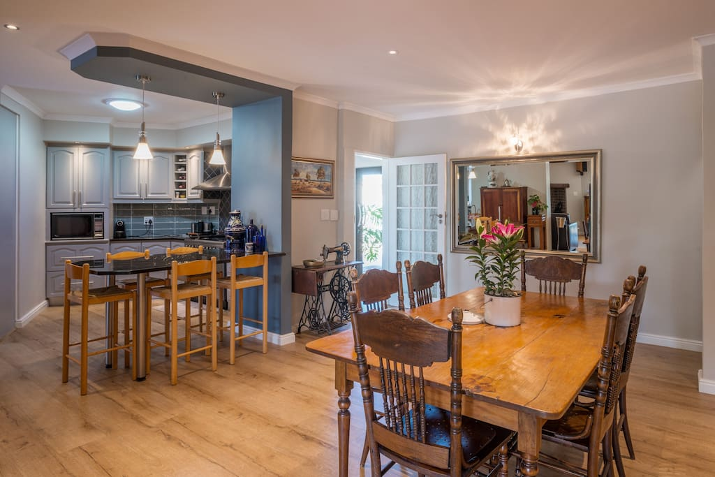 @7PillarsBnB - Shared Open plan Kitchen, Dining and Living Room