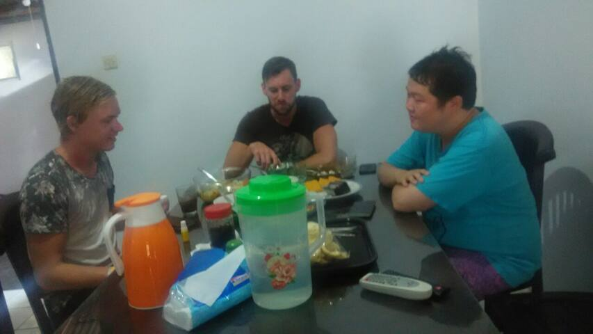 """Jorsh (Dutch), John (Australia) and Jack (Indonesia) we talk about the typical food what to eat on the first day in Yogya .. """"I want a chicken soup with fresh sauce ..."""" **....(hungry)"""