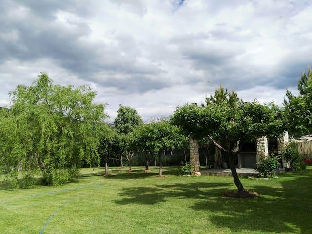 Chalet con jardín y barbacoa en Riaza