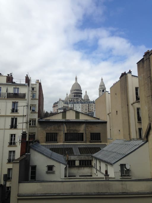 Montmartre's Sacré Coeur (not the view from our place)