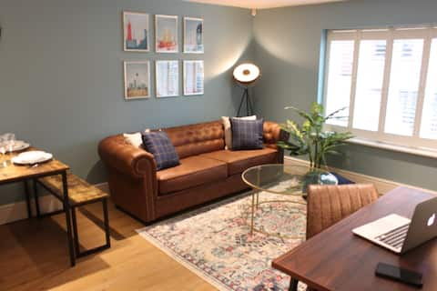 ❤Lovely 2 bedroom apartment free parking❤