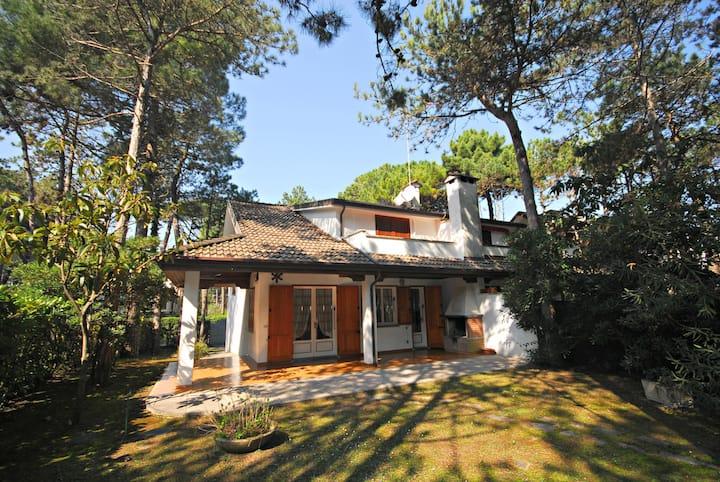 Villa Schuhbert E1 - Beautiful villa with garden