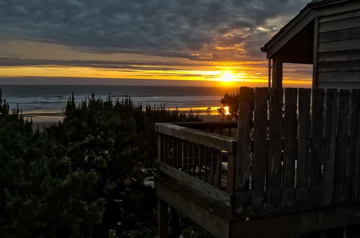 Oceanfront Cottage - North Oregon Coast